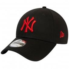 New York Yankees Essential Red Logo Black 9FORTY Cap PRETO